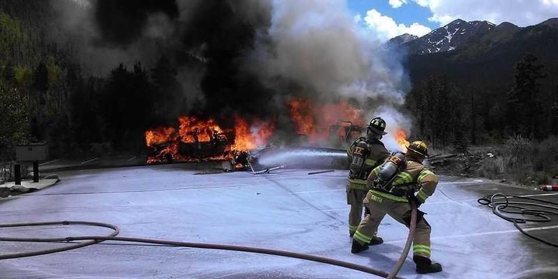Trực thăng y tế rơi, bốc cháy dữ dội, phi công tử nạn - ảnh 2