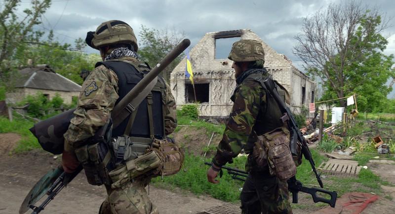 Kiev bị tố sử dụng bom hóa học ở Donbass - ảnh 1