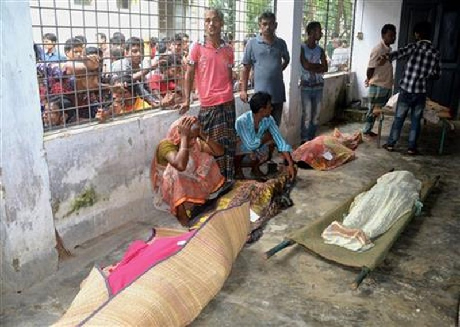 Giẫm đạp nhau tranh đồ từ thiện: 23 người chết - ảnh 1