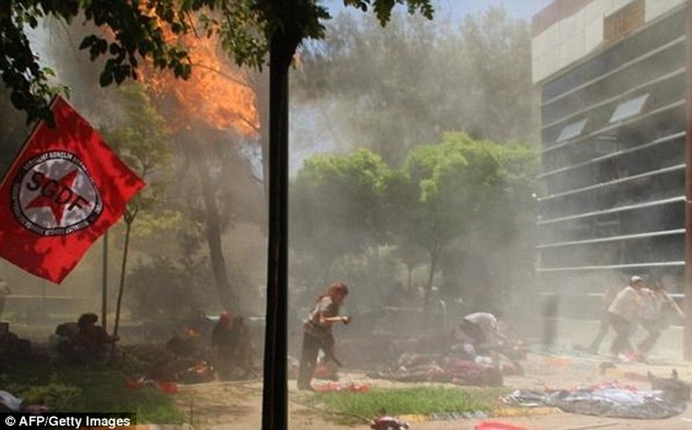 Tin nóng: IS lại đánh bom tự sát kinh hoàng, ít nhất 28 người chết - ảnh 4
