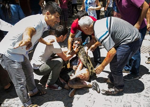 Tin nóng: IS lại đánh bom tự sát kinh hoàng, ít nhất 28 người chết - ảnh 2