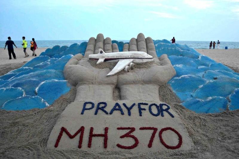 Trung Quốc, Malaysia đồng loạt lên tiếng về mảnh vỡ nghi của MH370 - ảnh 1