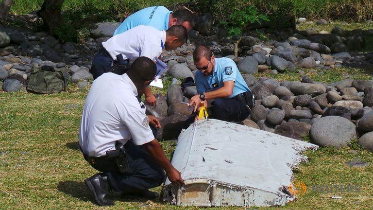 Tập đoàn Boeing cử nhóm chuyên gia tìm hiểu mảnh vỡ nghi MH370 - ảnh 1