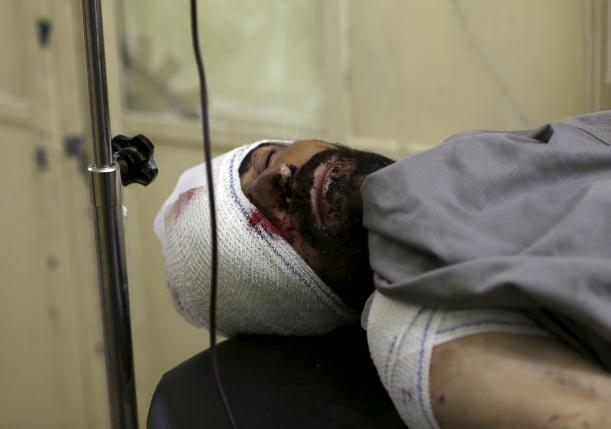 Người chết la liệt sau hàng loạt vụ đánh bom liều chết - ảnh 1