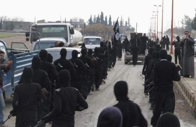IS lại đánh bom, giết chết ít nhất 60 người  - ảnh 1