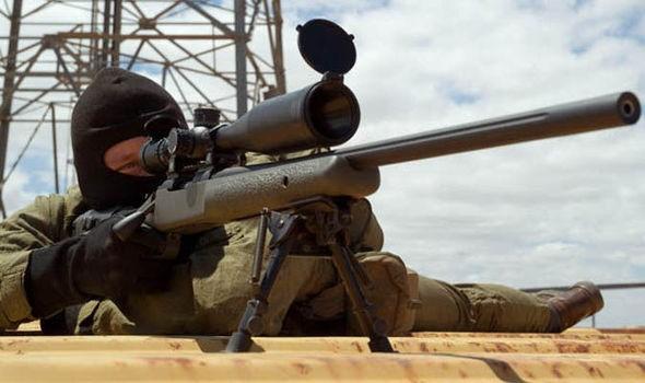 Tay súng bắn tỉa 'cừ khôi' hạ gục đao thủ IS giờ hành quyết - ảnh 1