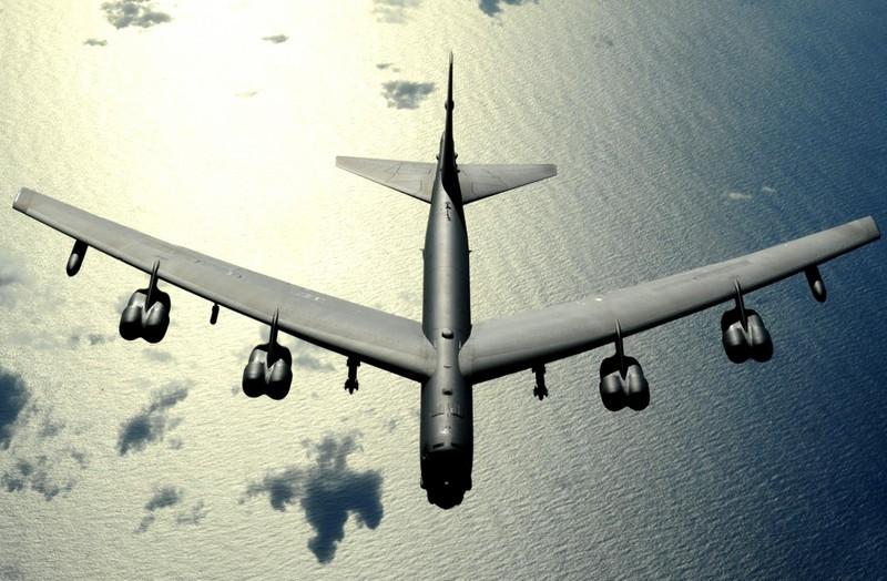 Trung Quốc triển khai xe tăng, Mỹ sẽ đưa B-52 đến biên giới liên Triều? - ảnh 2