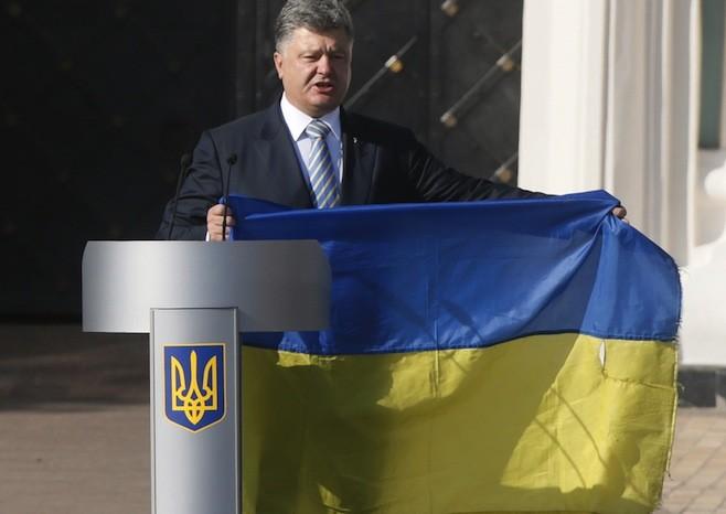 Tổng thống Ukraine bị chỉ trích khi nói về Nga - ảnh 1