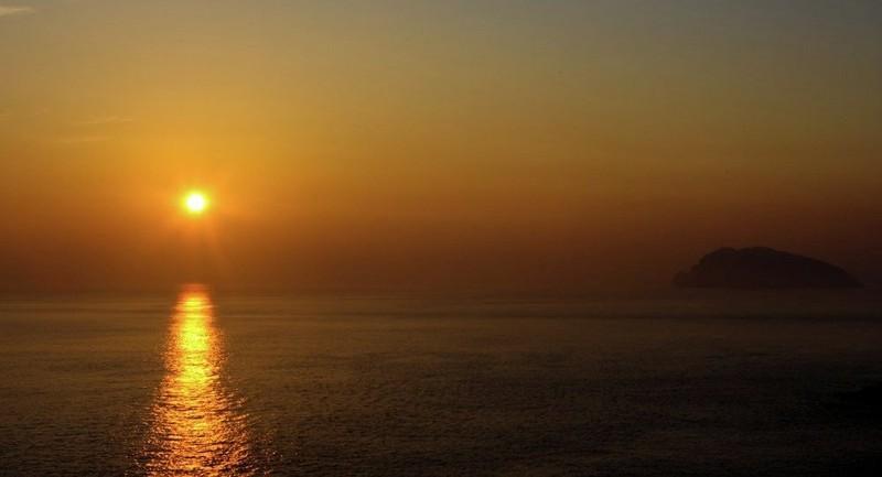 Chìm tàu ở Hàn Quốc: 8 người chết - ảnh 1