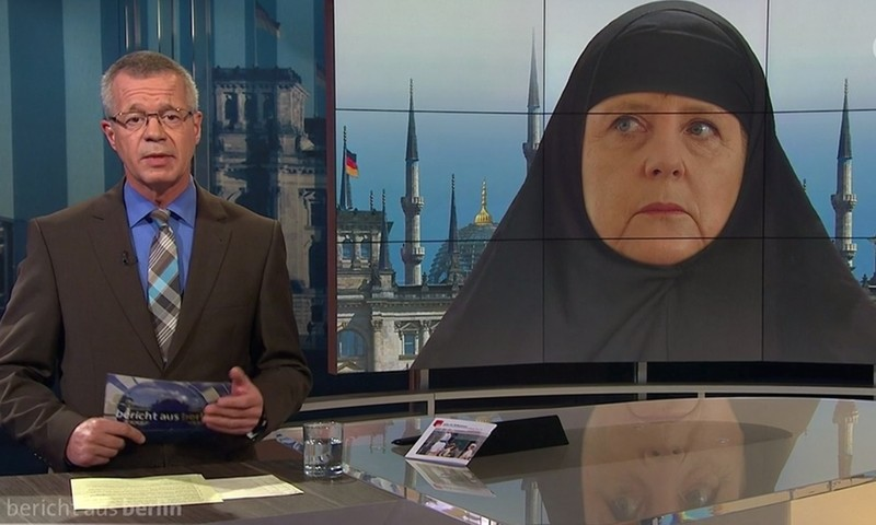 'Thủ tướng Đức mặc đồ Hồi giáo xuất hiện trên truyền hình' gây tranh cãi - ảnh 1