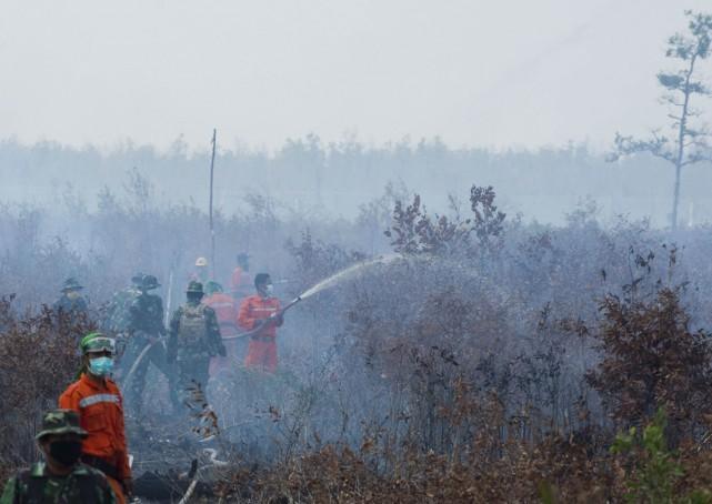 Indonesia 'tậu' chiến đấu cơ cứu hỏa của Nga - ảnh 1
