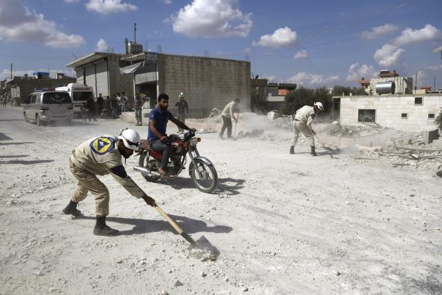 Nga đẩy mạnh các cuộc không kích nhằm vào đối thủ của ông Assad   - ảnh 1