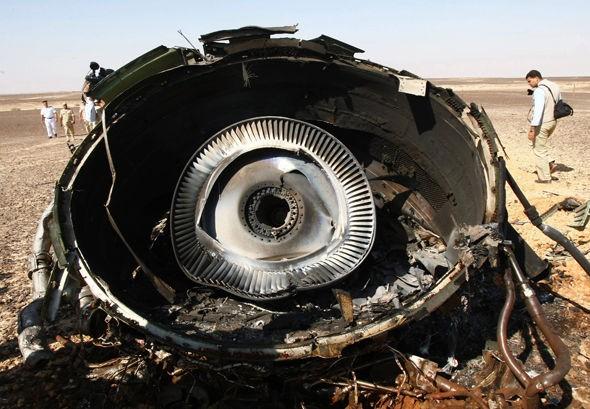 Máy bay Nga chở 224 người rơi: Bị bắn hạ hay bị nổ bom? - ảnh 2