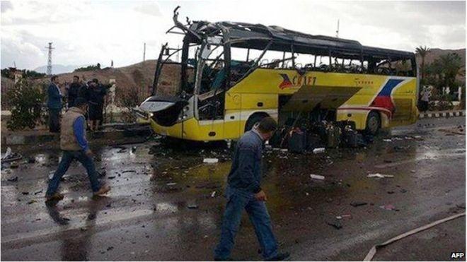 Nóng: Đánh bom tại câu lạc bộ của cảnh sát, ba người chết - ảnh 1