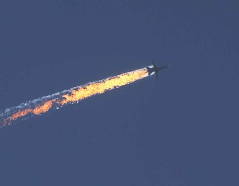 Máy bay ném bom Nga tấn công sát biên giới Thổ Nhĩ Kỳ  - ảnh 1
