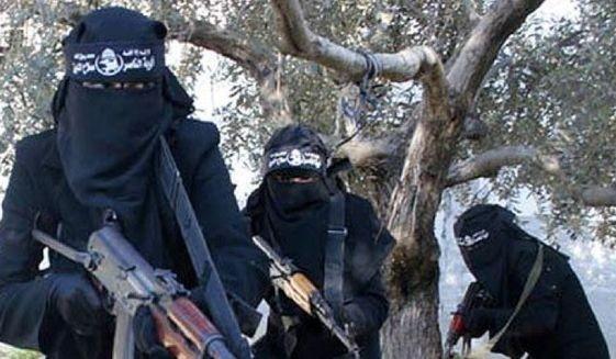 Nữ giới trở thành đối tượng IS 'khoái' tuyển mộ - ảnh 1