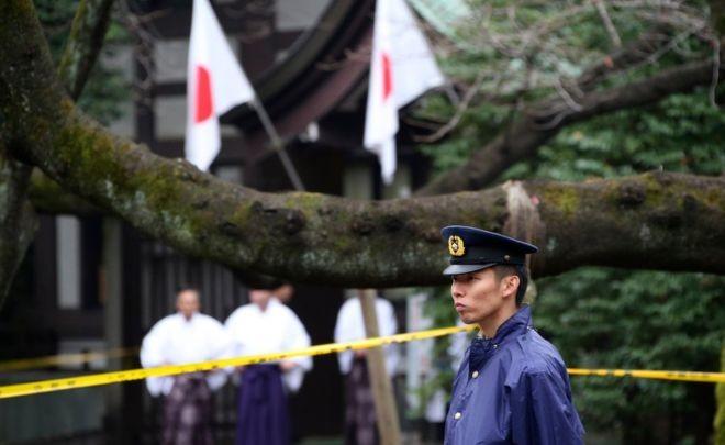 Nhật bắt nghi can Hàn Quốc vụ đánh bom nhà vệ sinh đền Yasukuni - ảnh 1