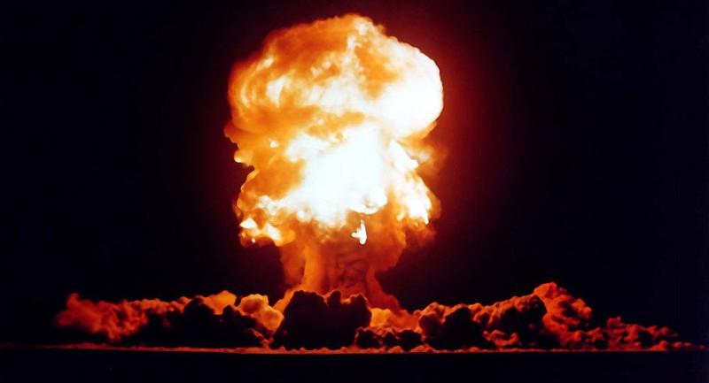 Tướng Mỹ lo ngại đề xuất dùng bom hạt nhân để xóa sổ IS  - ảnh 1
