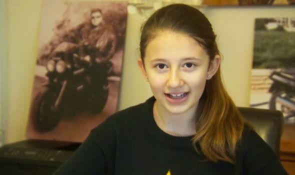 Cô bé 10 tuổi viết thư xin thủ tướng Anh cho ông nội nhập cảnh - ảnh 1