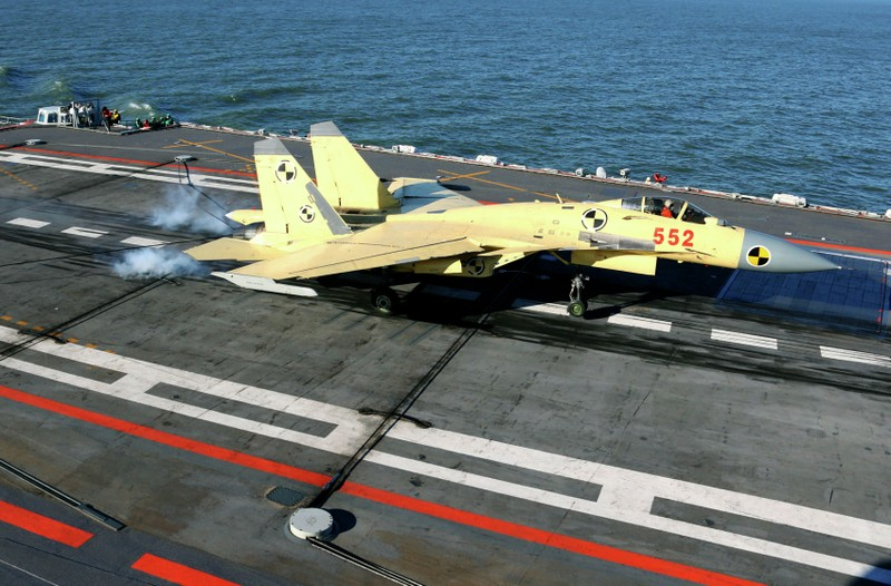 Trung Quốc lần đầu tiên xác nhận đóng tàu sân bay thứ hai - ảnh 1