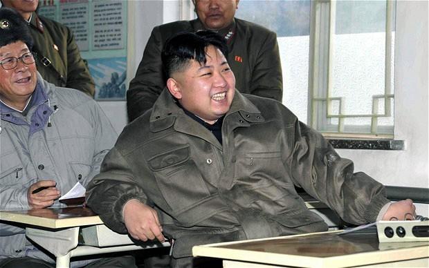 Triều Tiên: Trường học tăng cường giảng dạy về Kim Jong-un - ảnh 1