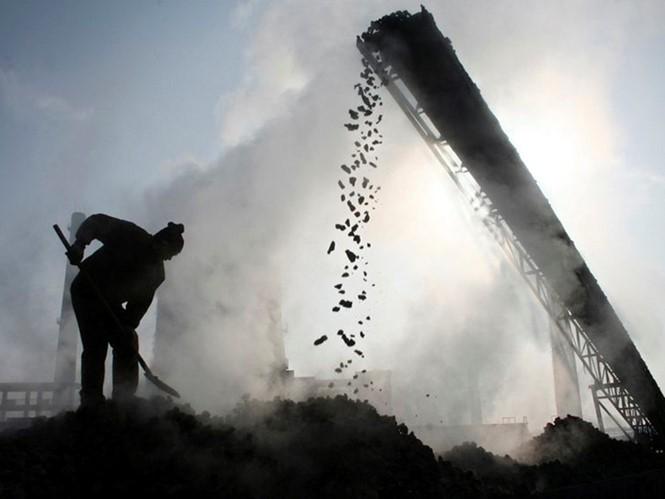 Bốn thợ mỏ Trung Quốc được giải cứu sau 36 ngày - ảnh 1