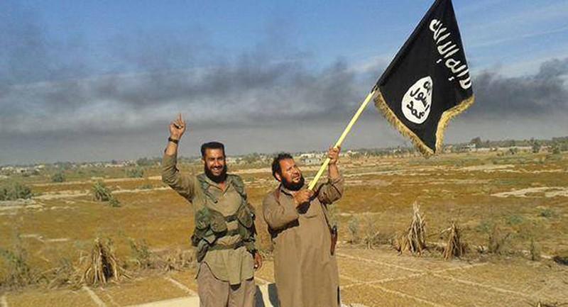 Lương thánh chiến giảm, IS sẽ sụp đổ? - ảnh 1