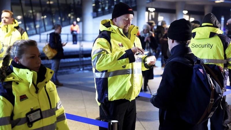 Châu Âu: khối Schengen còn vỏn vẹn 10 ngày? - ảnh 1