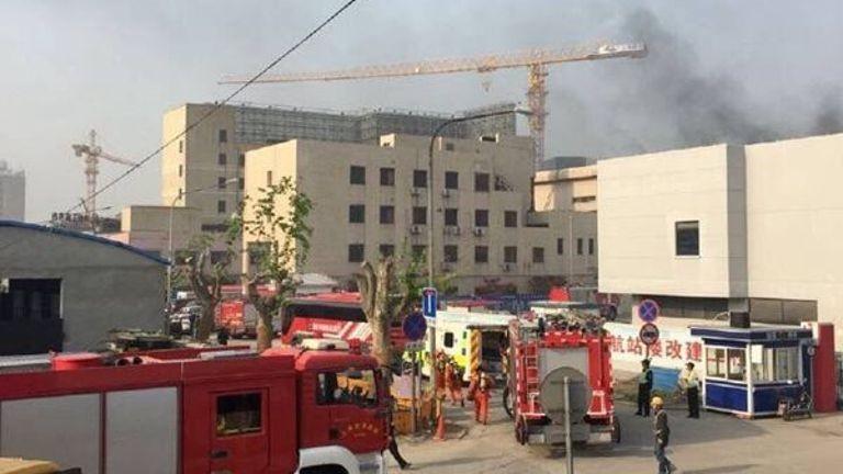 Cháy tại sân bay Thượng Hải, 2 người chết - ảnh 1