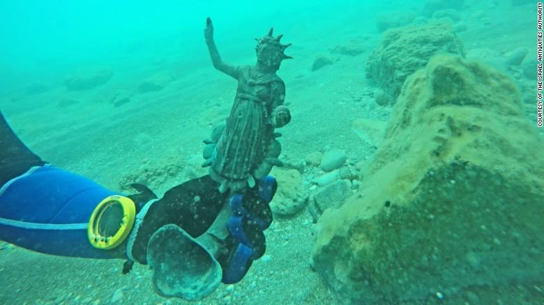 Phát hiện nhiều cổ vật quý hiếm trong xác tàu đắm 1.700 tuổi - ảnh 4