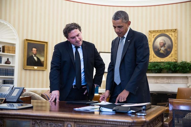 Ai đứng sau bài diễn văn tuyệt vời của Tổng thống Obama? - ảnh 2