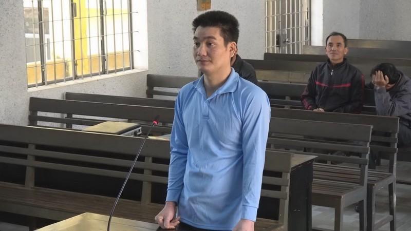 Cựu sĩ quan lừa xin việc lấy 2,7 tỉ, bị 16 năm tù