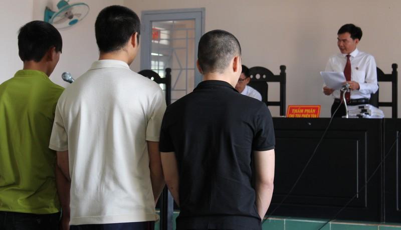 Bảo vệ Công ty Long Sơn thực nghiệm hành vi chém người - ảnh 1