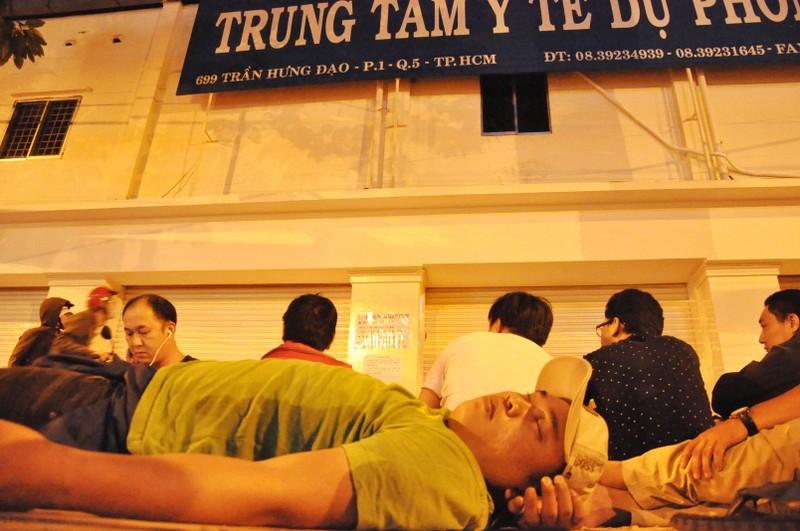 Cơn lốc vaccine đã cuốn tới Sài Gòn  - ảnh 7