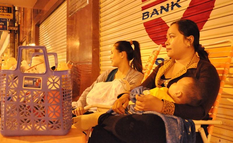Cơn lốc vaccine đã cuốn tới Sài Gòn  - ảnh 8