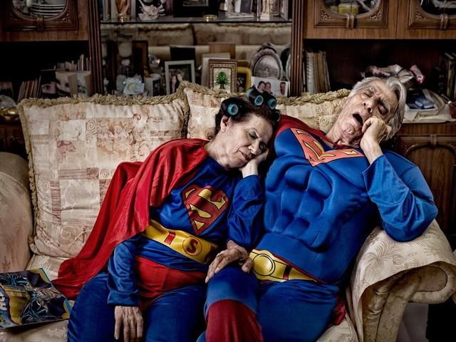 Thú vị bộ ảnh siêu anh hùng lấm lem - ảnh 1