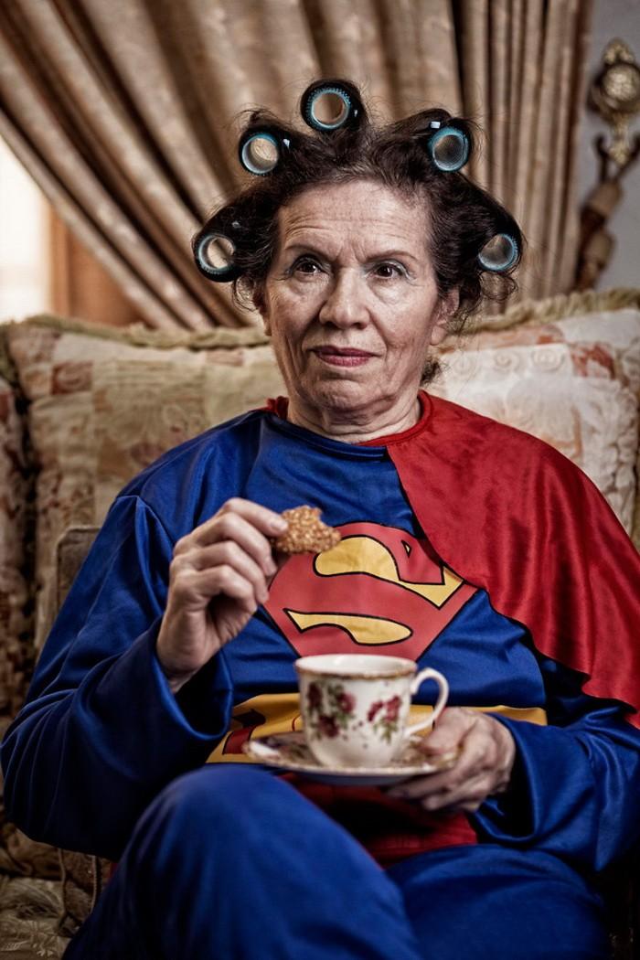 Thú vị bộ ảnh siêu anh hùng lấm lem - ảnh 9