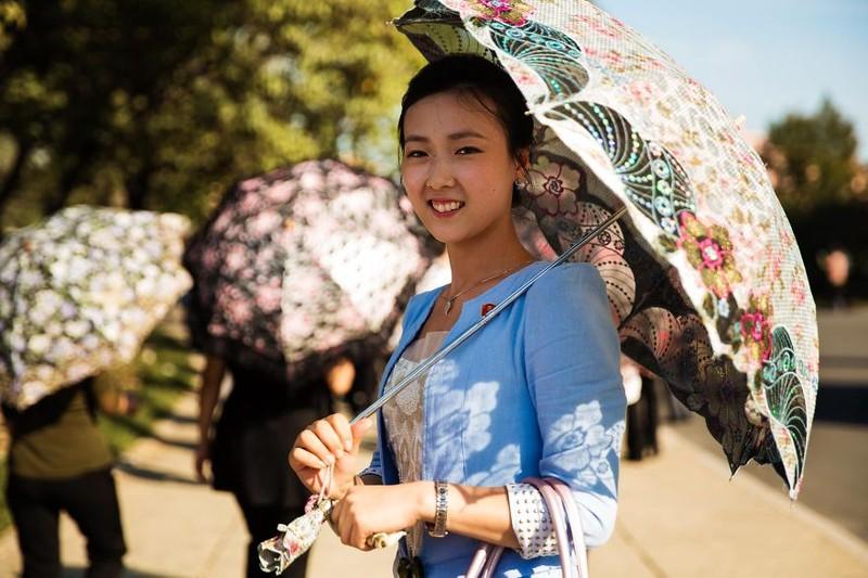 Ngắm vẻ đẹp mộc mạc của phụ nữ Triều Tiên - ảnh 17