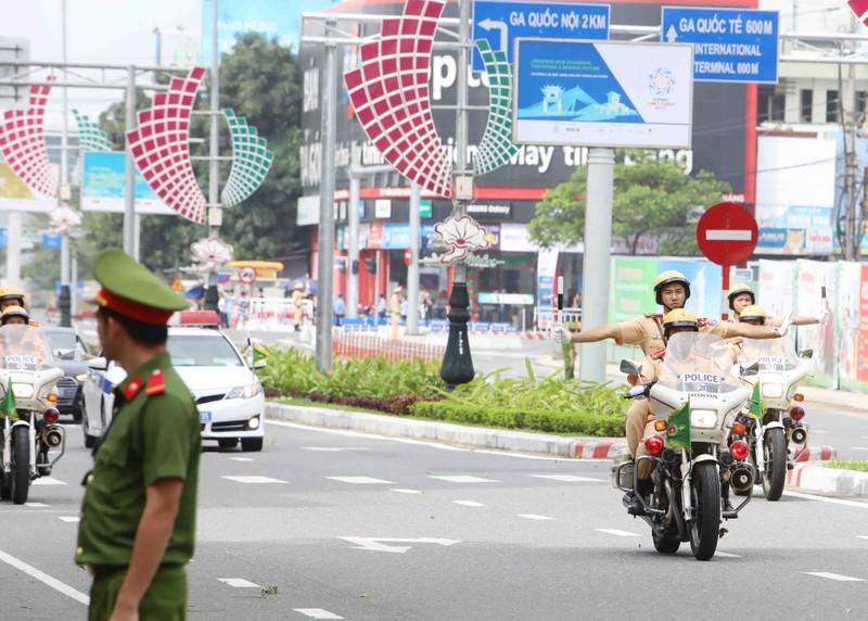 Chuyên cơ chở Tổng thống Putin đã đáp xuống Đà Nẵng - ảnh 9