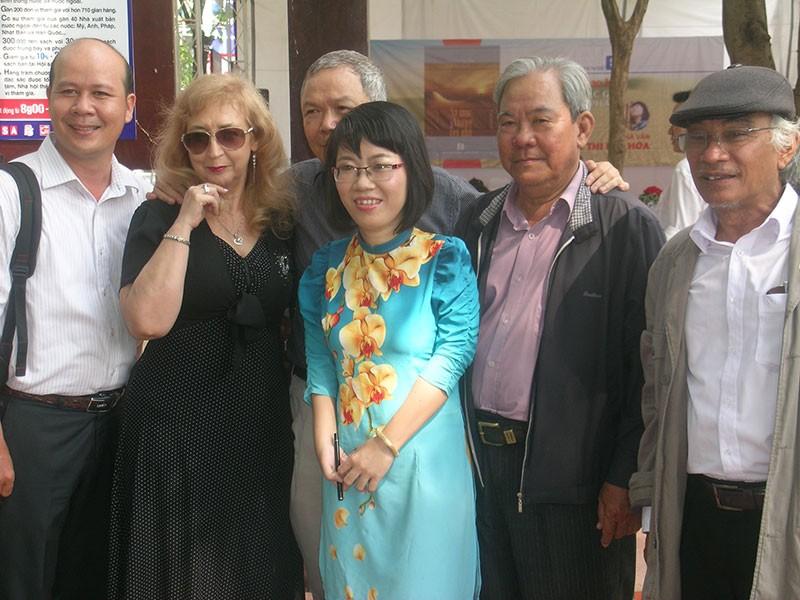 Nhà văn trẻ Kim Hòa: Hoa xương rồng vững chắc giữa sa mạc - ảnh 7