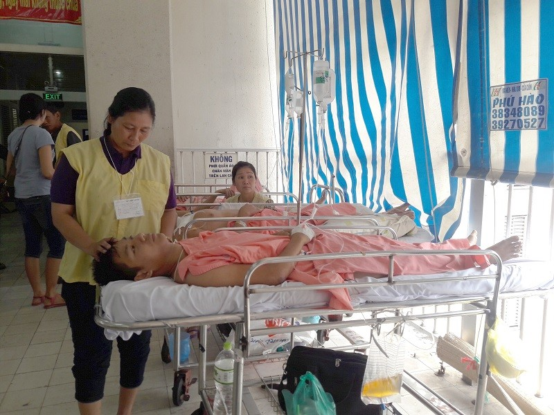 Tai nạn thảm khốc ở Bình Thuận: Phụ xe có thể bị liệt đôi chân - ảnh 1