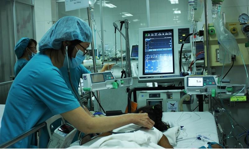 Cô bé lưng rùa được phẫu thuật tách 'mai rùa' thành công - ảnh 2