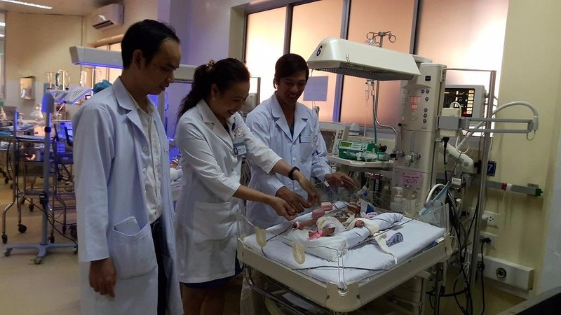 Niềm vui của ekip phẫu thuật BV Nhi Đồng 1