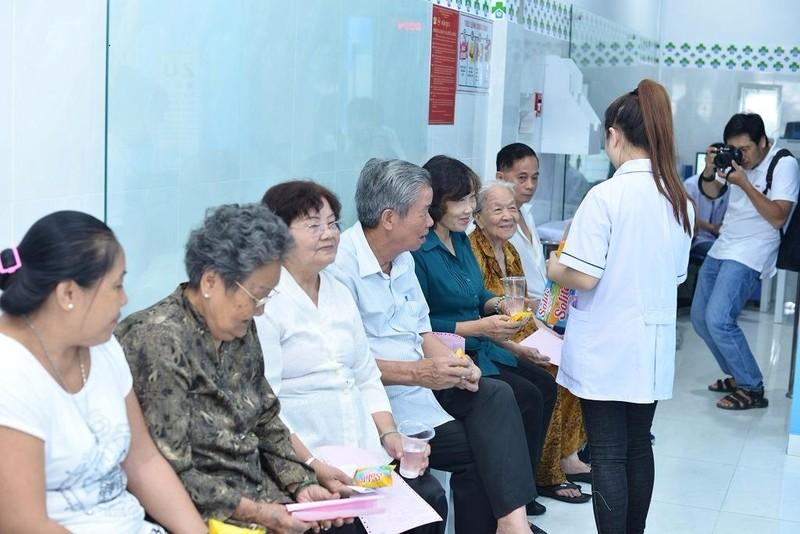 Bệnh nhân khám ở Trạm Y tế phường 11, quận 3.