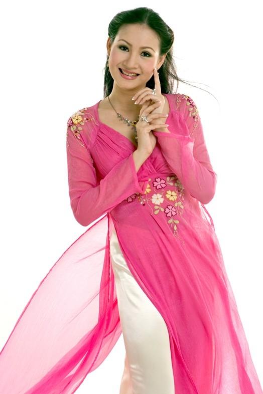 Hoa hậu áo dài  Đàm Lưu Ly tái xuất với một rừng người đẹp - ảnh 3