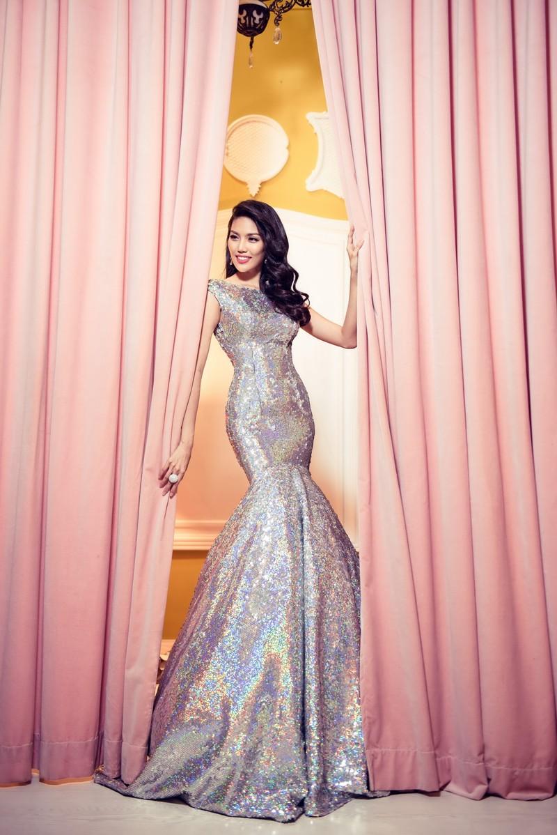 Hoa hậu áo dài  Đàm Lưu Ly tái xuất với một rừng người đẹp - ảnh 1