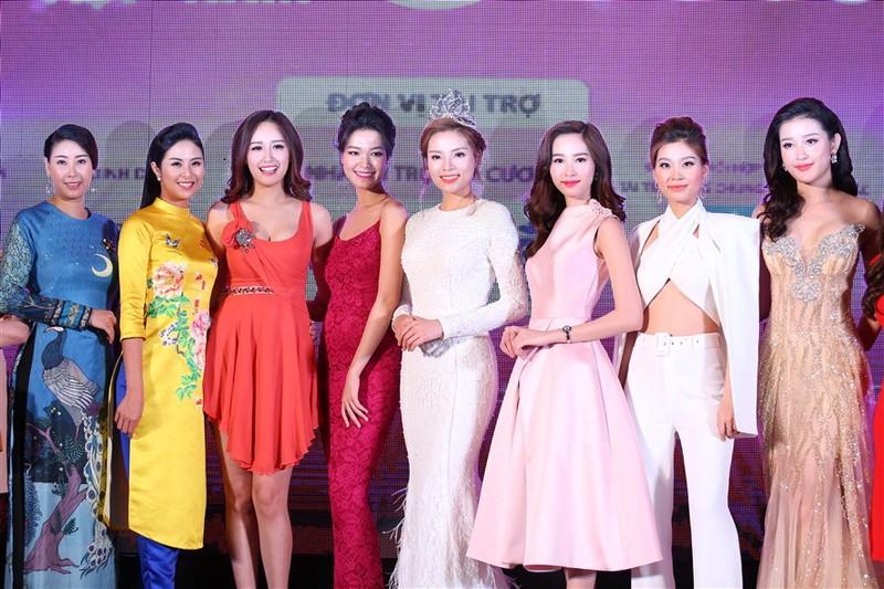 Tám hoa hậu, á hậu Việt Nam cùng đọ sắc - ảnh 1