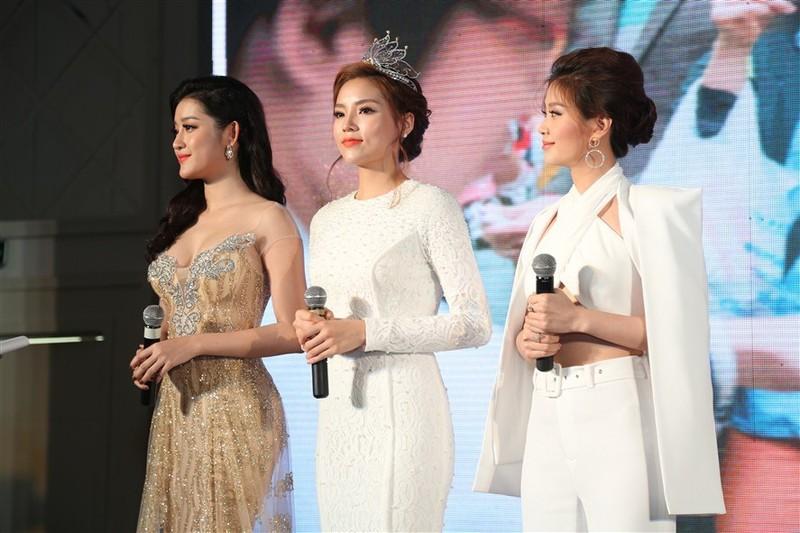 Tám hoa hậu, á hậu Việt Nam cùng đọ sắc - ảnh 5