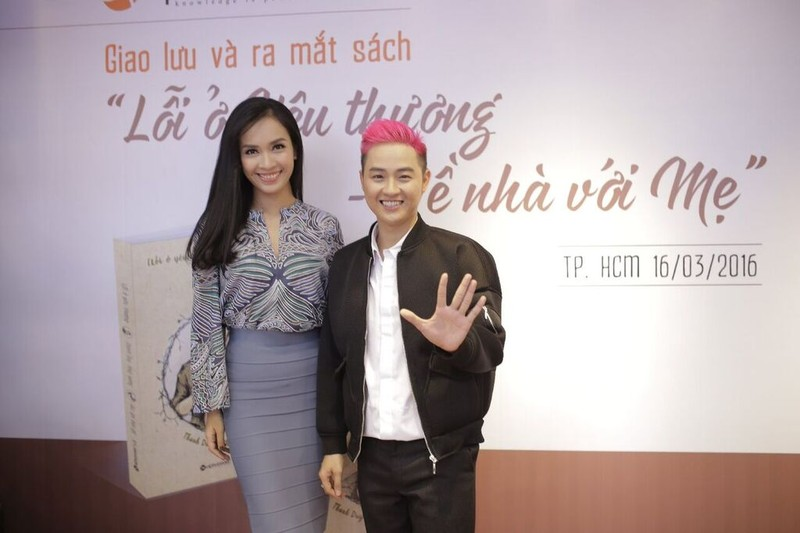 Thanh Duy idol ra mắt sách, Đường Sách đông nghẹt fan và sao - ảnh 7