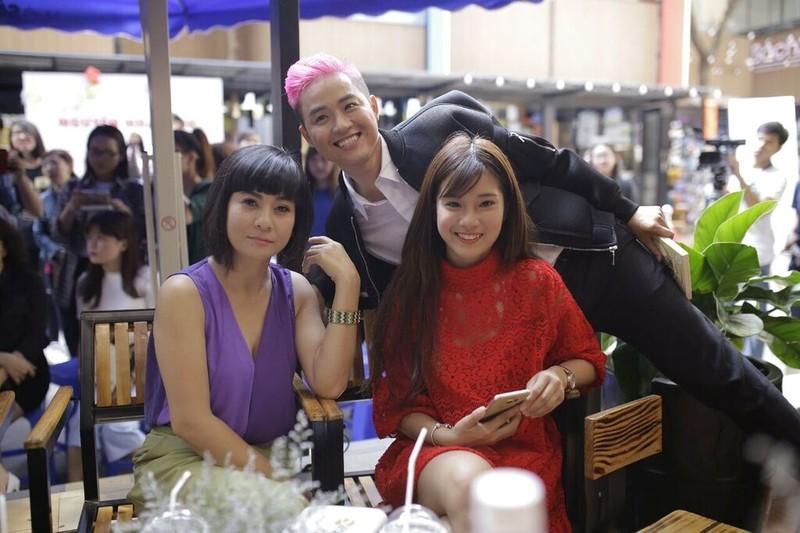 Thanh Duy idol ra mắt sách, Đường Sách đông nghẹt fan và sao - ảnh 5
